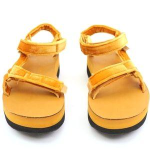 76e961e44f Teva Shoes   Flatform Universal Velvet Amber Sandals New   Poshmark